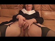 amateur big-tits boobs granny hairy mature milf panties playing