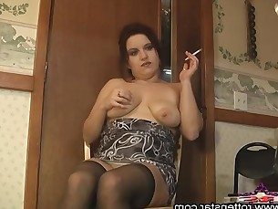 amateur big-tits boobs brunette bbw fatty hot kiss mammy